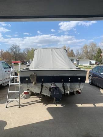 Photo Crestliner boat - $12,900 (Red Lake Falls)
