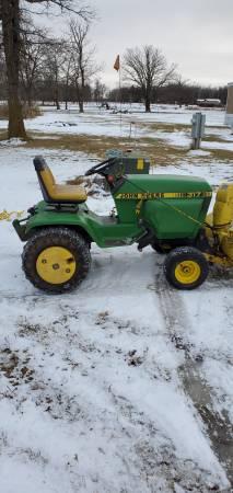 Photo John Deere 317 with snowblower - $2500 (Thief River Falls)