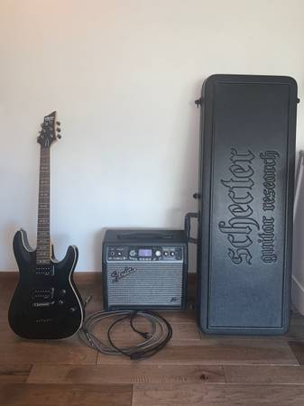 Photo Schecter Diamond Series Omen-6 Electric Guitar with case and  - $550 (Grand Forks)