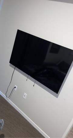 Photo TVs for sale - $600 (Grand forks)