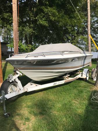 Photo 1987 Four Winns 190 Horizon, 165hp, 4cy Open Bow Boat wTrailer - $3,200 (Fennville, MI)