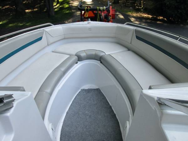 Photo 1993 Four Winns Horizon 230 Boat PARTS $100-$1000 BOAT IS NOT FOR SALE - $300 (Ada, Michigan  Grand Rapids NE)