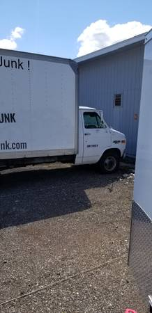 Photo 1995 14 ft Chevy box truck - $3500 (Grand Rapids)