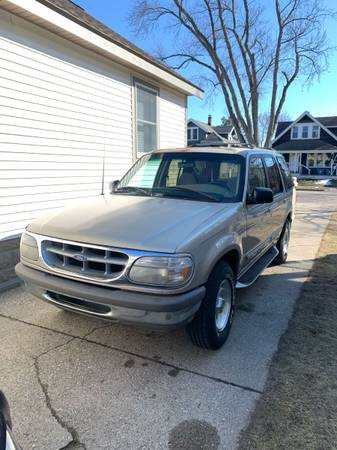 Photo 1996 Ford Explorer XLT RWD For Sale FLORIDA TRUCK - $1300