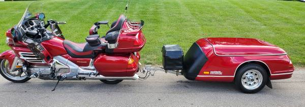 Photo 2004 GL1800 Candy Apple Red Honda Motorcycle with Escapade Trailer - $10,600 (comstock park)