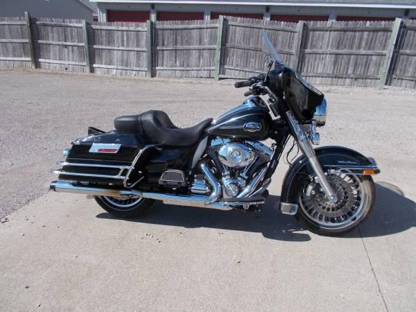 Photo 2009 Harley Davidson Ultra Classic - $6,650 (Bay City Mile Maker)