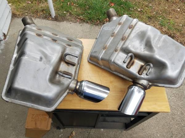 Photo 2010-2013 Genuine GM Chevy Camaro OEM Muffler Exhaust Left and Right - $55 (Zeeland)