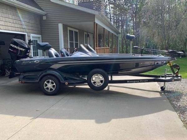Photo 2011 Ranger Z118 Bass Boat - $30,000