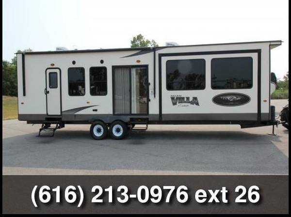 Photo 2015 Forest River Salem Villa Estate Travel Trailer - $26,990 (Grand Rapids, MI)