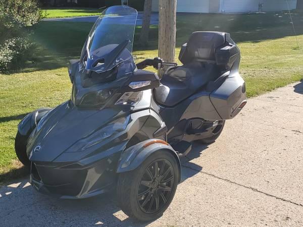 Photo 2018 Can-Am Spyder RT Limited SE 6 - $21,000 (Walker)