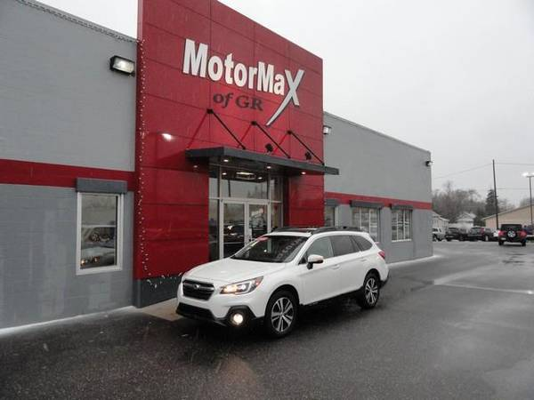 Photo 2018 Subaru Outback 2.5i Limited  HEATED LEATHER  LOADED  NAV  - $20455 (MotorMax of GR  CASH OR FINANCE)