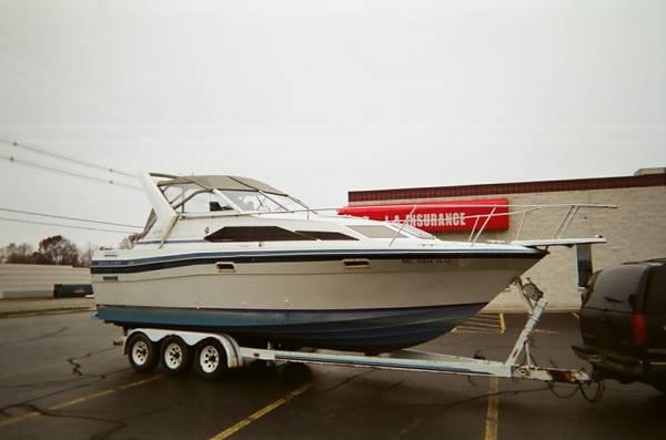 Photo 28ft Bayliner w3 axleTrailer - $11,500 (Saugatuck)