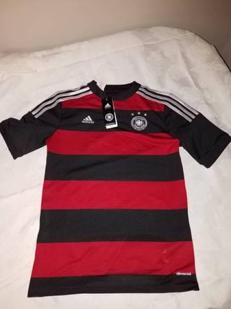 Photo Adidas Germany National Soccer Team Jersey - Youth - $40 (Cascade)