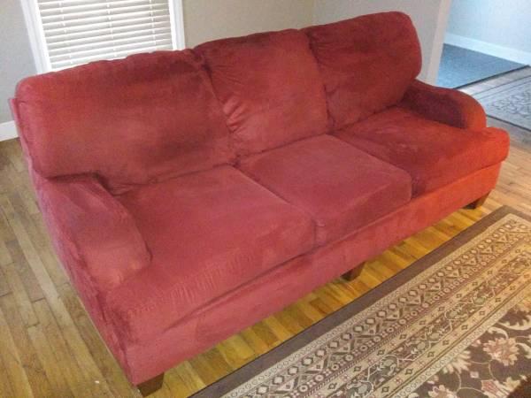 Photo Art Van couch - $200 (Grand Rapids)