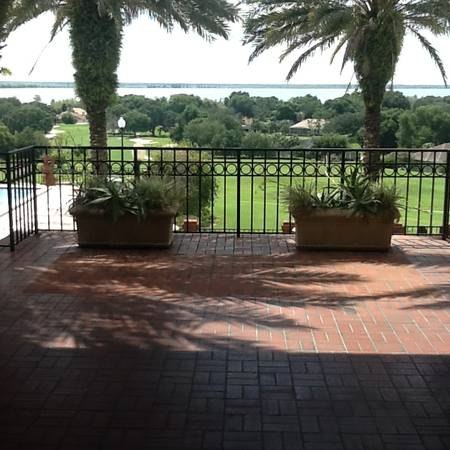 Photo BEAUTIFUL VACANT HALF ACRE PLUS IN PREMIER COUNTRY CLUB (Must See) (LADY LAKE, CENTRAL FLORIDA)