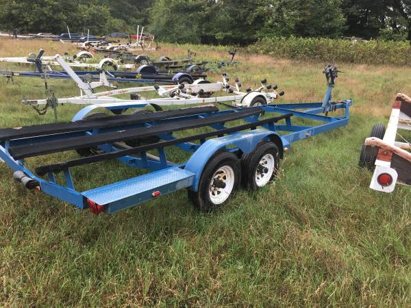 Photo BOAT TRAILERS FOR 18 TO 28 FOOT BOATS - $1 (Pentwater)