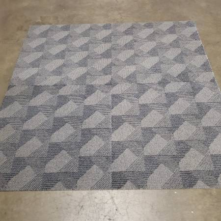 Photo Best price available on Carpet tile - $1 (Grand Rapids)