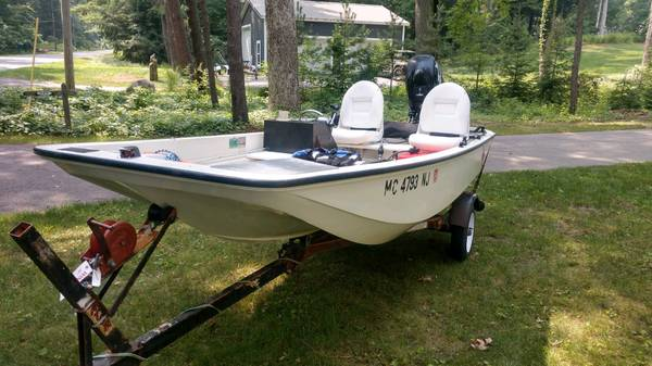 Photo Boston Whaler Classic 13 with four stroke motor - $8,000 (GRAND HAVEN)