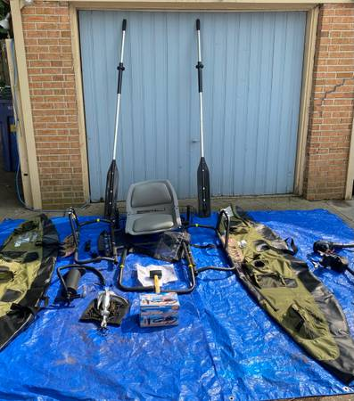 Photo Classic Accessories Colorado Pontoon Boats (2) WITH 2 motors  more - $1,000 (Grand Rapids)