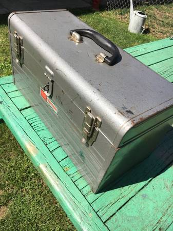 Photo Craftsman tool box - $20 (Walker)