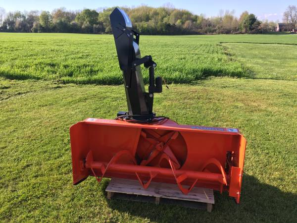 Photo Kubota Snowblower Front Hitch And Broom off of L3940 Compact Tractor - $3,900 (Wayland)