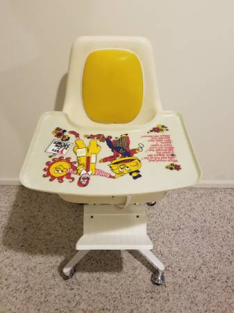 Photo Mcdonalds High Chair - Appx 197039s - Reduced - $175 (Wyoming)