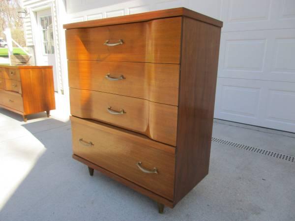 Johnson Carper 4 Drawer Dresser