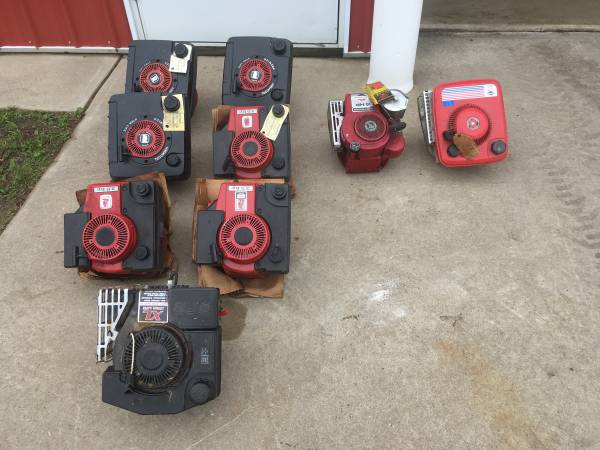 Photo New Old Stock Briggs  Stratton and Tecumseh Engines 3.5, 4 5hp NOS - $75 (Wayland)