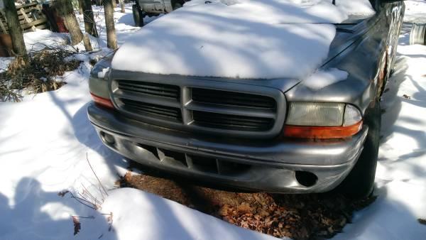 Photo Parting out a 1999 Dodge Durango 4x4 v8 four door (Grant)