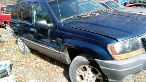 Photo Parting out a 2002 jeep grand Cherokee (Grant)