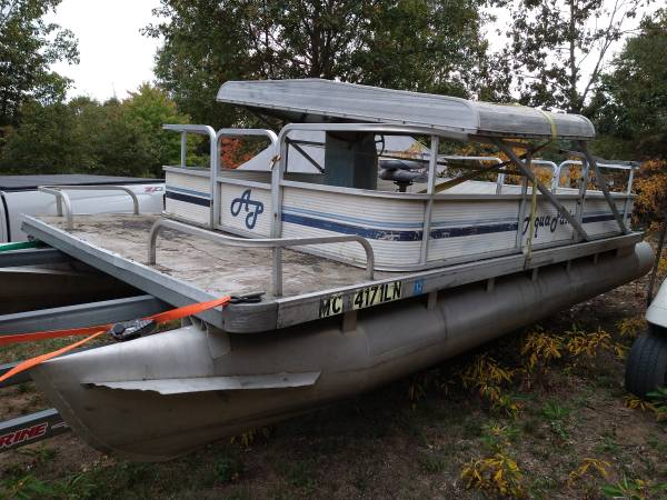 Photo Project 20ft pontoon boat with motor and controller - $1,500 (White Cloud)