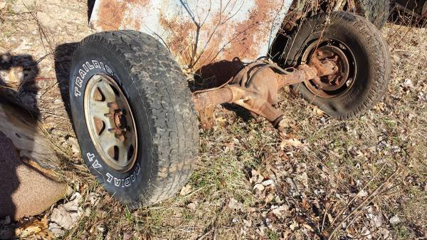 Photo Rear axle assembly ... gm . - $55 (Sand lake)