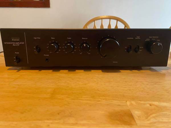 Photo Sansui AU-217 Amplifier - $150 (Grand Rapids)