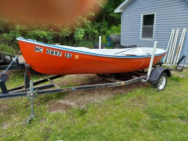 Photo Trailer Sailboat Evinrude motor - $695 (Lake Odessa)