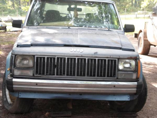 Photo parting out 1988 jeep cherokee (grant)