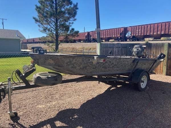 Photo 1539 mud boat long tail - $6,200 (Great Falls)