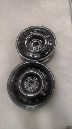 Photo 17quot wheels 5 lug 4.5quot pattern Ford Jeep - $40 (GREAT FALLS)