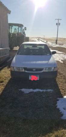 Photo 1998 Nissan Sentra - $1,700 (Cut Bank)