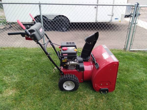 Photo 24quot Craftsman Snow Thrower - $700 (Great Falls)