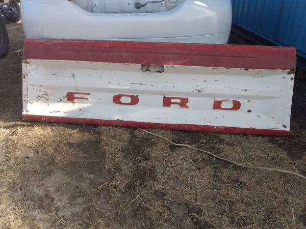 Photo 73-79 ford truck doors hood and tailgate - $100 (Loma)