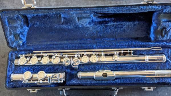 Photo Armstrong Flute - $150 (Stevensville)
