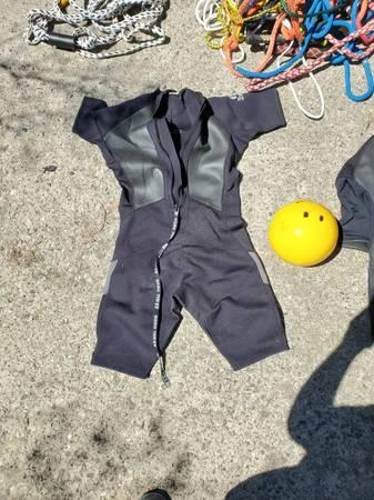 Photo Boat supplies - wetsuit, life jacket , ski ropes, bumper, buoy, anchor - $300 (Bozeman)
