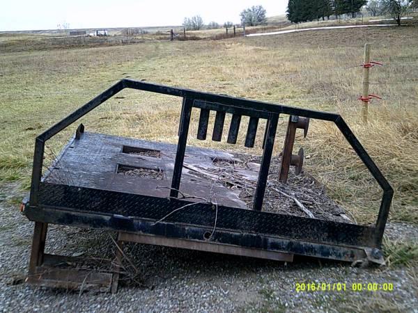 Photo Pickup flatbed for Dodge 2500 - $1,000 (Sun River)