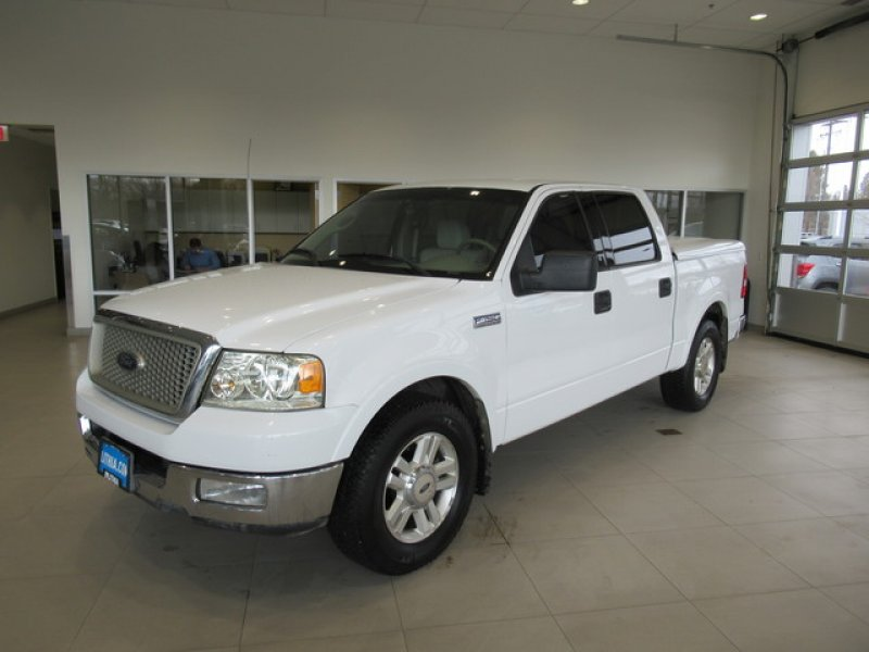Photo Used 2004 Ford F150 SuperCrew Lariat for sale
