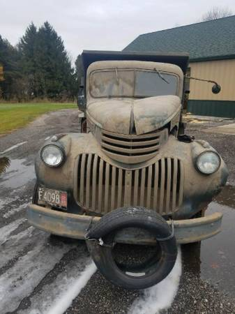 Photo 1946 Chevy Dump Truck - $7,500 (Manitowoc)