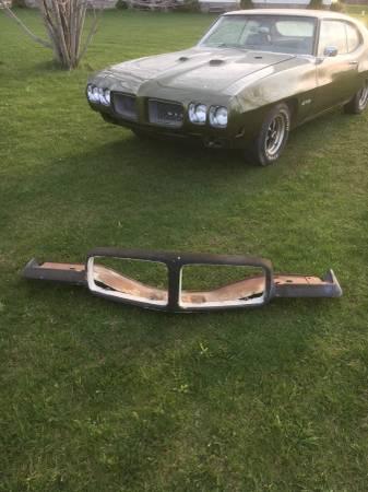 Photo 1971 Pontiac GTO Front Bumper - $200 (Sturgeon Bay)