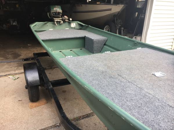 Photo 1980 12 ft Sears Jon boat with 6 hp jonson - $1,500 (Green Bay)