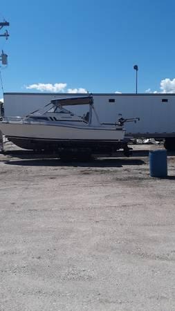 Photo 1980 Carver Hard Top Salmon Boat - $4,500 (Green Bay)