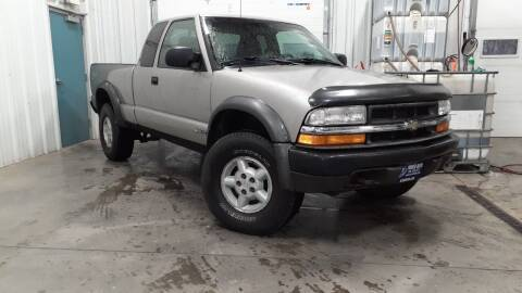 Photo 1999 CHEVY S-10 ZR2 WIDE STANCE 4X4 - CLEAN, COOL TRUCK -SEE PICS - $5,995 (GLADSTONE, MI)
