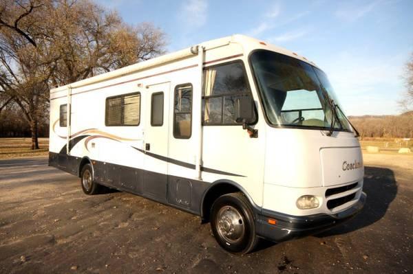 Photo 2004 Ford Gas V10 Chion Roadmaster 300QB-F Model 301 31,000 miles - $20,500 (Winona, MN)